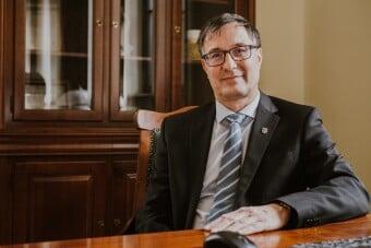 Heidrich Balázs rektor a versenyképesség fokozódását várja az új működési modelltől image
